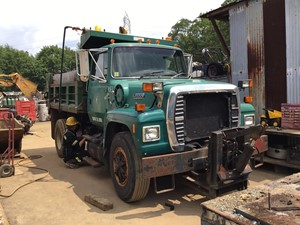 ford l8000 - salvage t-salvage-1889