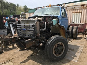 Ford F800 - Salvage T-SALVAGE-2087