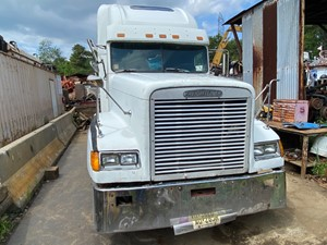 Freightliner FLD120 - Salvage T-SALVAGE-2923