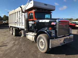 International 9300 - Salvage T-SALVAGE-2214