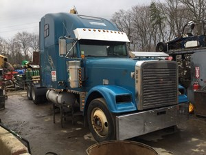 Freightliner CLASSIC XL - Salvage T-SALVAGE-1551