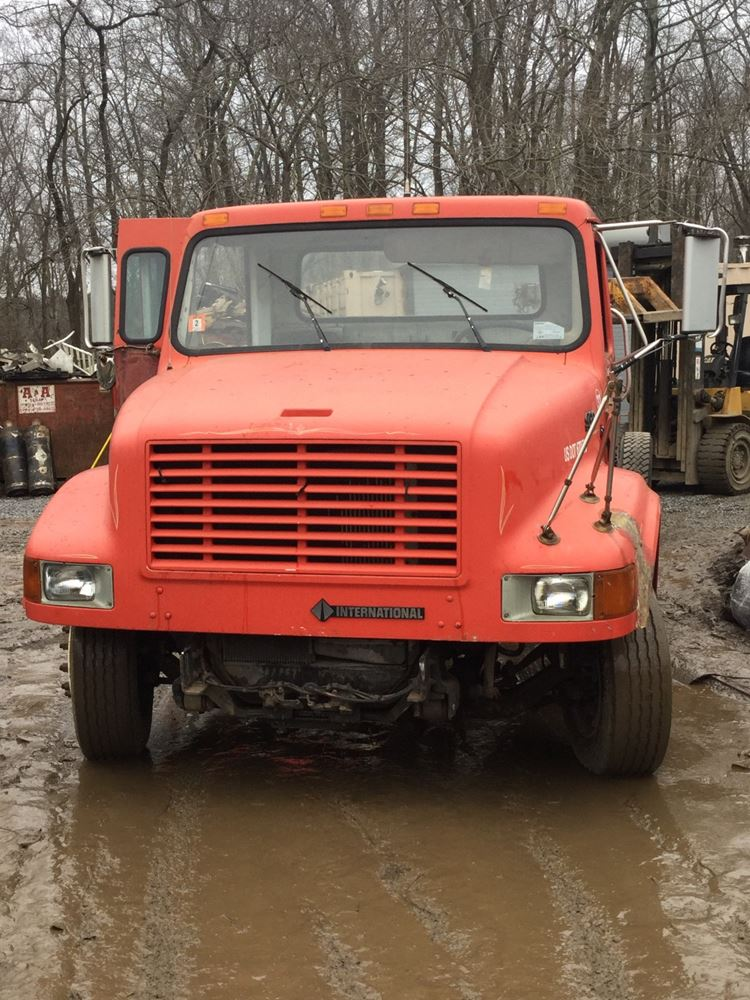 2001 International 4700 LOW PROFILE TPI