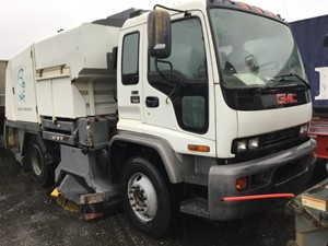 GMC T7500 - Salvage T-SAL-2188
