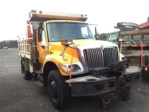 Salvage Heavy Duty International 7400 Trucks | TPI