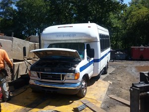 Ford E-450 Super Duty - Salvage T-SALVAGE-1330