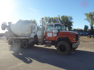 Mack RD690S - Complete 9795