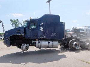 Mack CX613 Vision - Salvage 8267