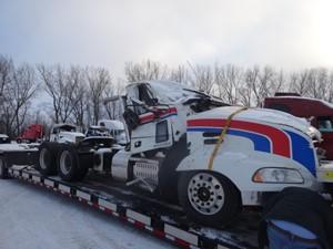 Mack CXU613 - Salvage 6986