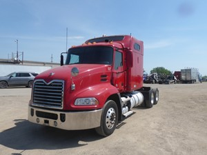 Mack CXU613 - Complete 9695