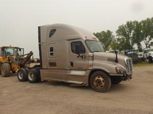 Freightliner Cascadia 125 - Salvage 9750
